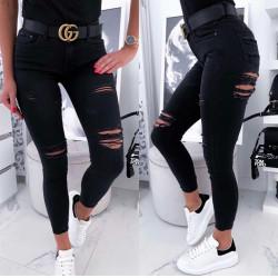 Melnas džinsas ar plēsumiem