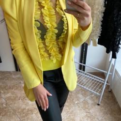 Dzeltena žaketīte