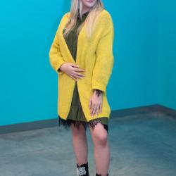 Dzeltena adīta jaka