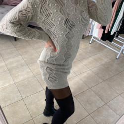 Bēša - adīta kleita ar pērlītēm