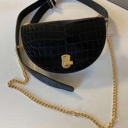 Melna Gurnu soma, var nēsāt arī kā pleca soma