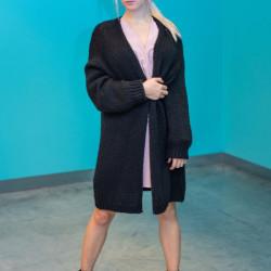 Melna adīta jaka