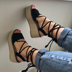 Vasarīgas platformas kurpes