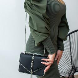 Zaļa kleita ar skaistām rociņām