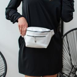 Spīdīga , balta gurnu somiņa