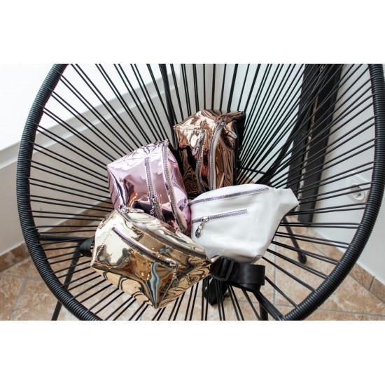 Spīdīga , bronzas krāsas gurnu somiņa