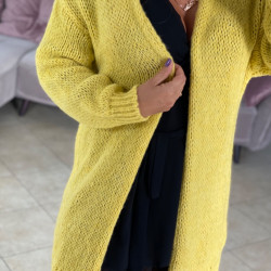 Dzeltena, gara adīta jaka