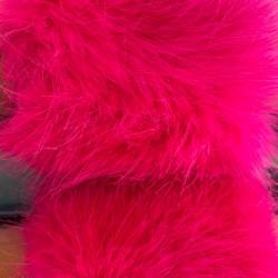 Spilgti rozā pūku čības