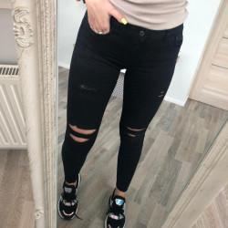 Superīgas džinsas ar augsto jostas vietu un plēsumiem aizmugurē, łoti labi padodas