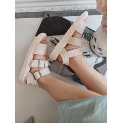 Bēšas , gumijotas sandales