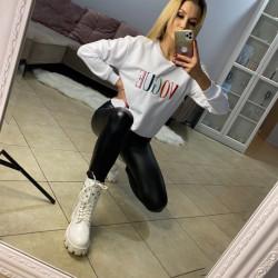 Balts VOGUE džemperis