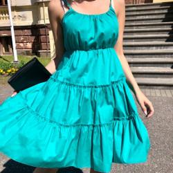 Zaļa kokvilnas kleita