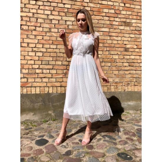 Balta , svinīga kleitiņa