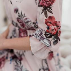 Rozā krāsas ziedu kleita
