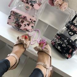 Veci rozā kurpes uz papēdi