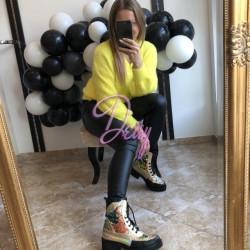 Dzeltens - pūkains džemperis